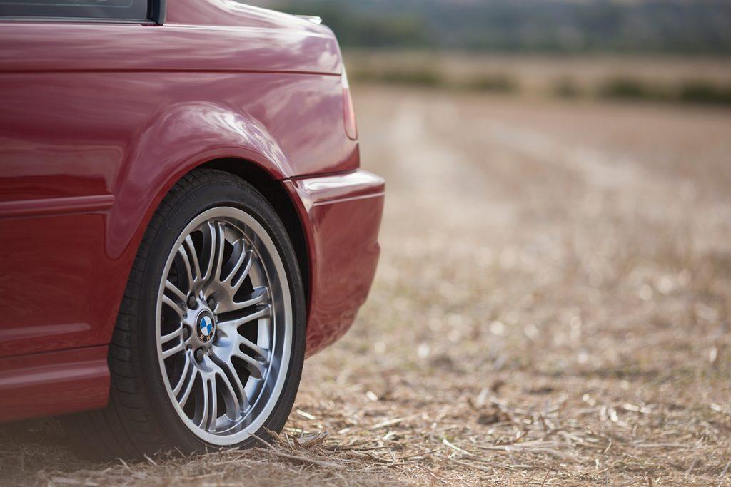 """BMW E46 M3 18"""" OE alloy wheels in shadow chrome colour."""