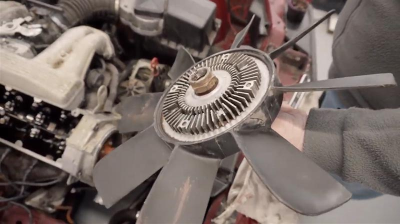 How to remove an E30 clutch fan.